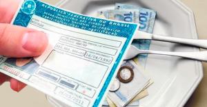 Pai que não pagou pensão à filha tem CNH suspensa pela Justiça