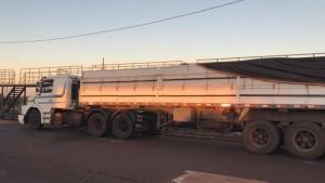 Caminhão é flagrado com 7 toneladas de maconha em carga de milho